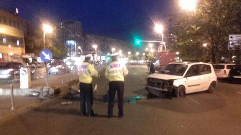 Grav accident in Piata Iancului! A intrat cu masina in refugiul de tramvai, o persoana GRAV ranita!