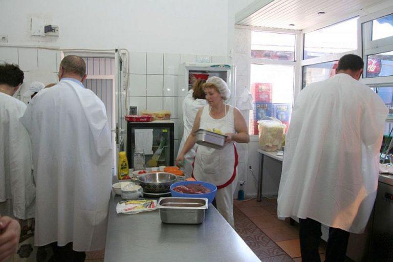 Inspectorii sanitar-veterinari au luat la puricat pietele si magazinele din Bucuresti! Vezi ce au gasit!