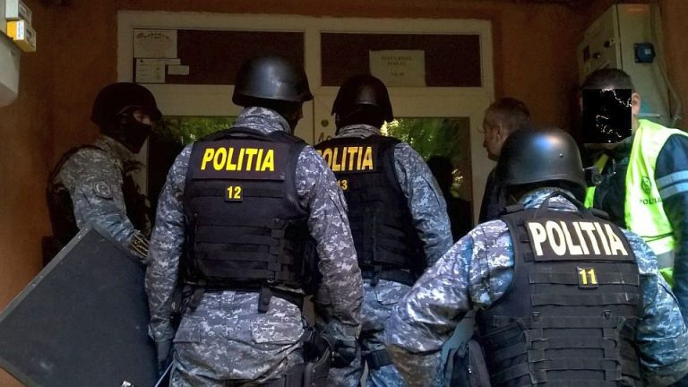 Evaziune fiscala prin societati de tip fantoma! Zeci de perchezitii in Bucuresti!