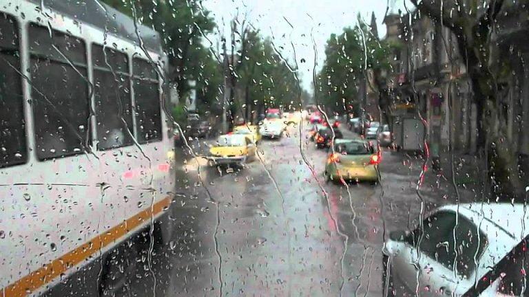 Cod galben de ploi si vijelii in Bucuresti! Doua zile cu temperaturi scazute!