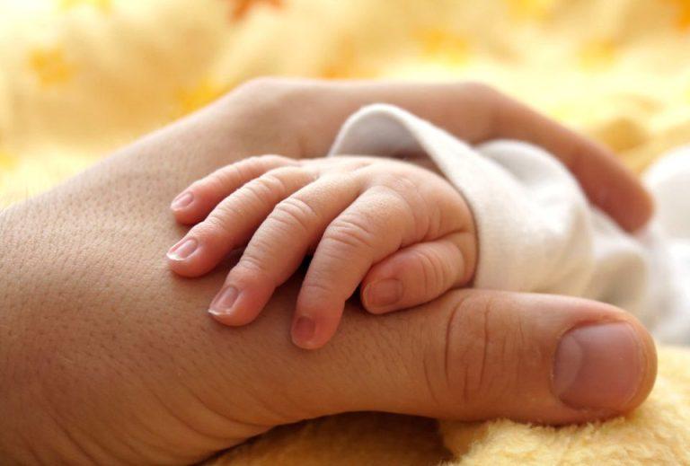 Politistii au gasit-o pe femeia care si-a abandonat bebelusul, intr-o punga de gunoi, pe Bulevardul Ion Mihalache!