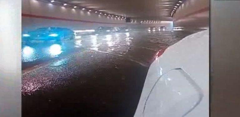 VIDEO – Pasajul de la Casa Presei, in care primaria a bagat zeci de milioane, S-A INUNDAT la prima ploaie serioasa!