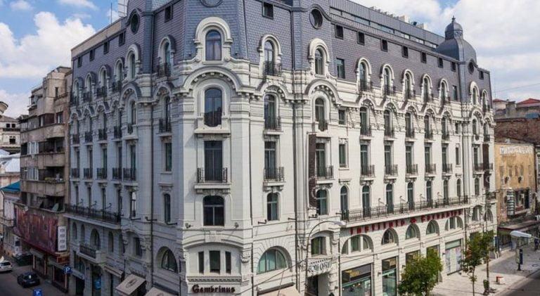 Secretele Bucurestiului: De ce este BANTUIT Hotelul Cismigiu si cine s-a sinucis in Casa Vernescu!