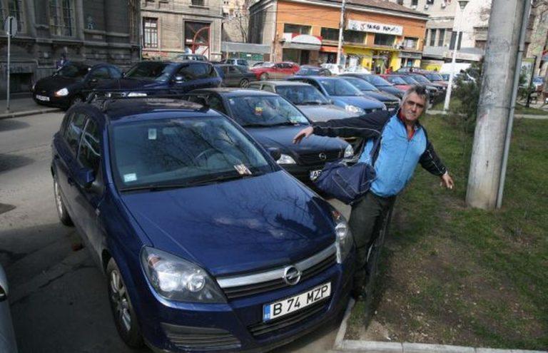 Anunt SOC de la Guvern: Masinile parcate pe TROTUAR vor fi ridicate si soferii amendati!