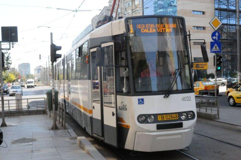 Bucurestenii care urca maine in tramvaiul 1 vor circula cu zambetul pe buze!
