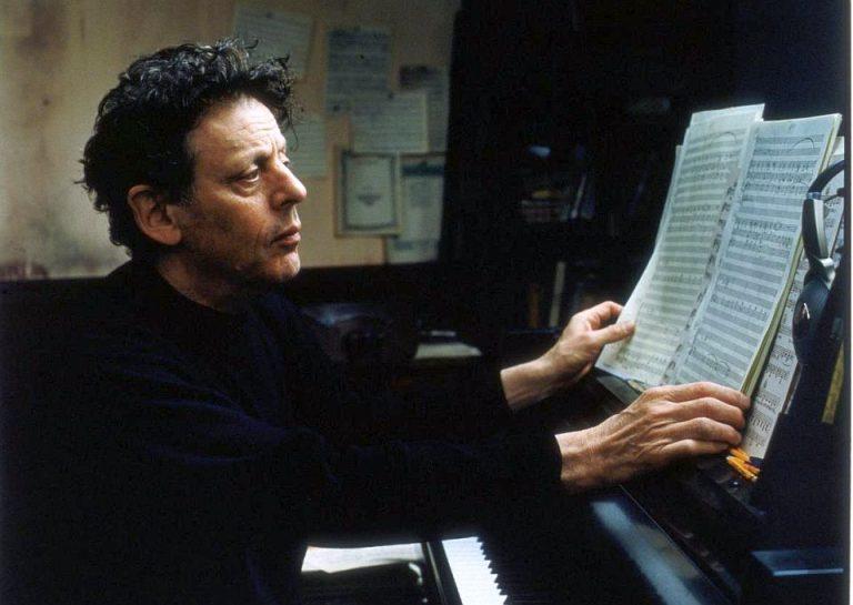 Laureatul premiului Grammy, americanul Philip Glass are un super eveniment la Teatrul de Vara din Herastrau!