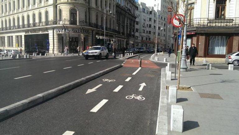 Incep lucrarile de refacere a marcajelor rutiere in tot Bucurestiul! Traficul va fi afectat CEL PUTIN PATRU luni!