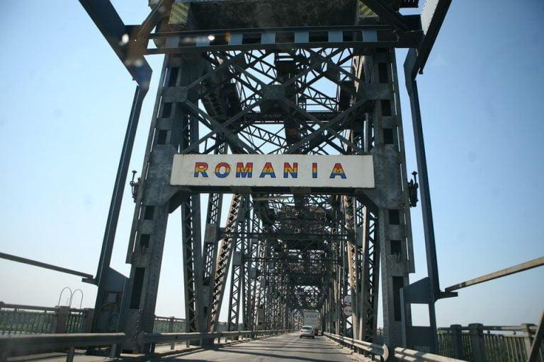 Vrei sa mergi la mare la bulgari? Ocoleste podul peste Dunare de la Giurgiu-Ruse!