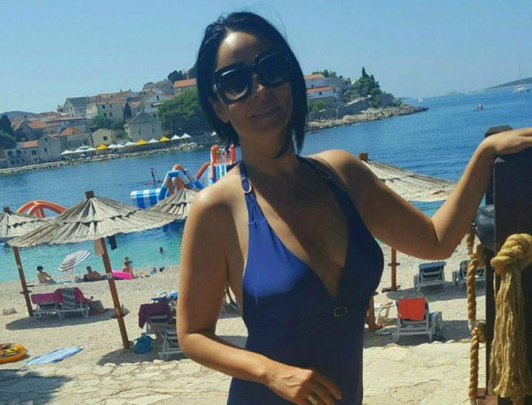 Bucurestiul monden: Andreea Marin s-a bucurat de soare in decorul de la Game of Thrones!
