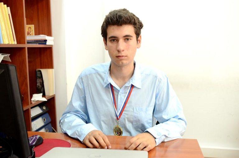 Un elev din Bucuresti SCRIE ISTORIE pentru Romania la cele mai mari olimpiade internationale!