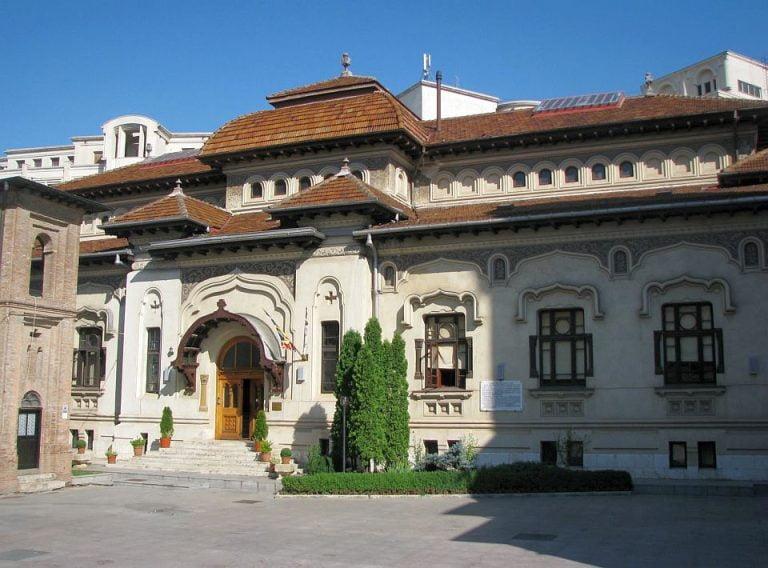 Istoria bisericilor Bucurestiului LUATE PE SUS si mutate din calea lui Ceausescu! Treci zilnic pe langa ele!