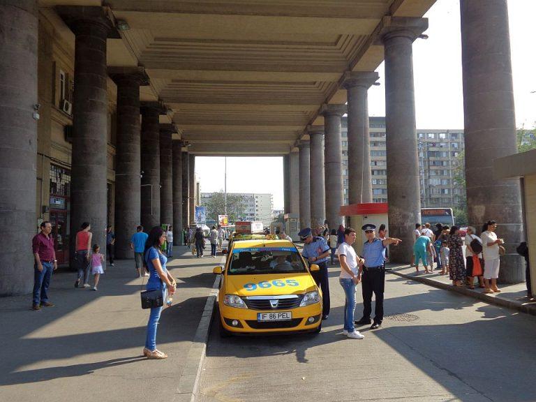 Razie a Politiei in randul taximetristilor de la Aeroportul Otopeni si Gara de Nord! A curs cu amenzi si certificate retinute