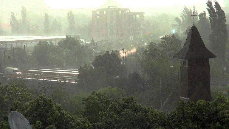 Ploile puternice nu mai inunda Bucurestiul cum o facea odata! Ce s-a schimbat?