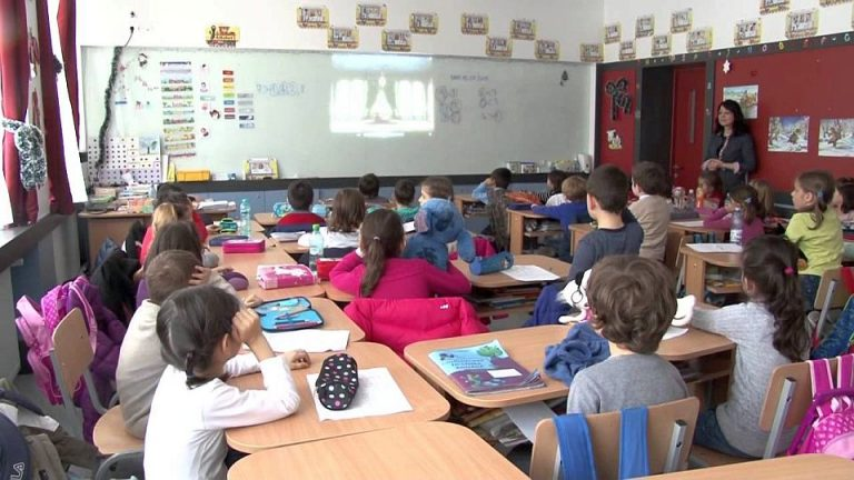 Peste 500 de scoli din Bucuresti nu au autorizatie ISU! Arafat spune ca NU E NORMAL!