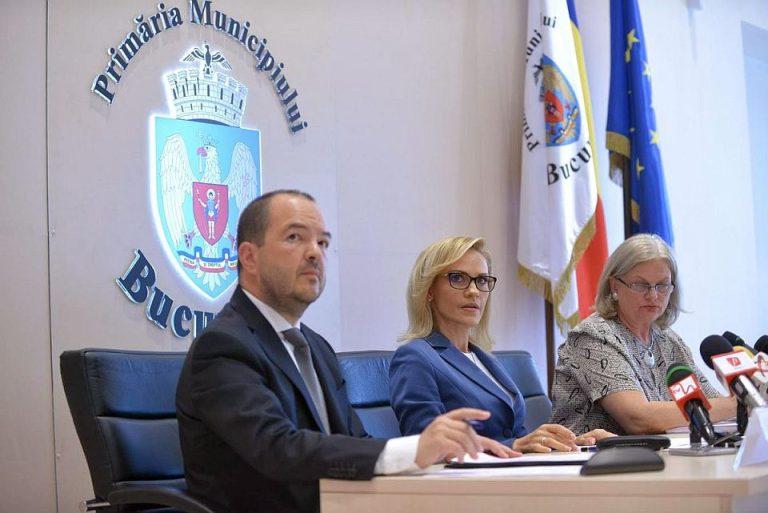 Scandal in sedinta Consiliului General: Copii cu handicap adusi sa multumeasca in fata camerelor pentru ajutoarele din bani publici!
