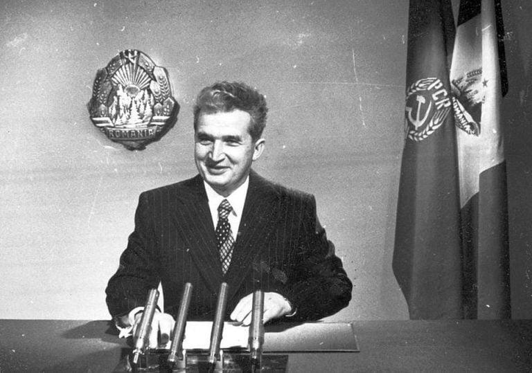 Ceausescu incepuse constructia tunelurilor pe sub munti pentru a aduce apa proaspata din Fagaras in Bucuresti! Lucrarile au fost abandonate in anul 2000!