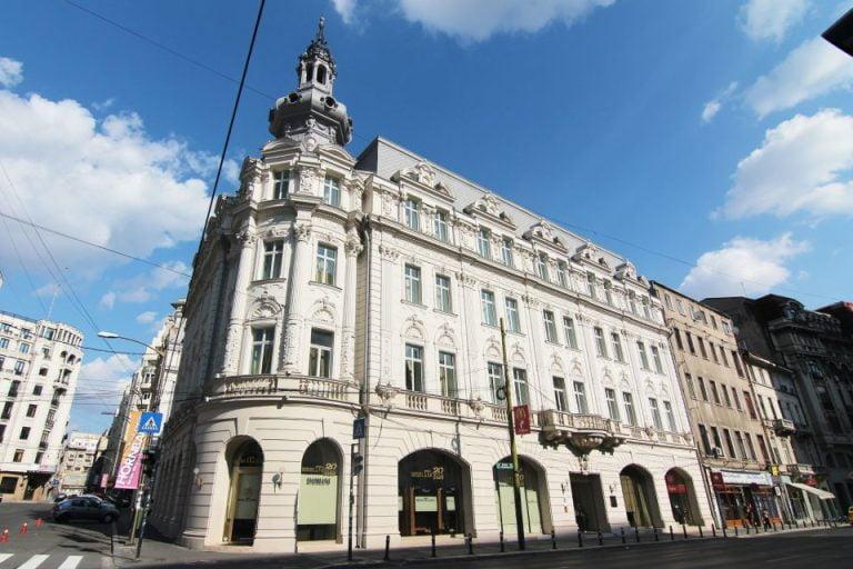 La 72 de ani un farmacist face 10 milioane de euro cu o singura farmacie in Bucuresti!