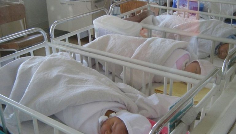 Revolta dupa ce interarile au fost sistate la Maternitatea Giulesti: Nu am depistat un vinovat!
