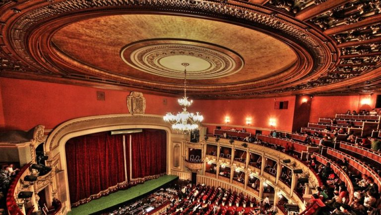 Veste buna pentru cei mici: Opera Nationala reia spectacolele pentru copii