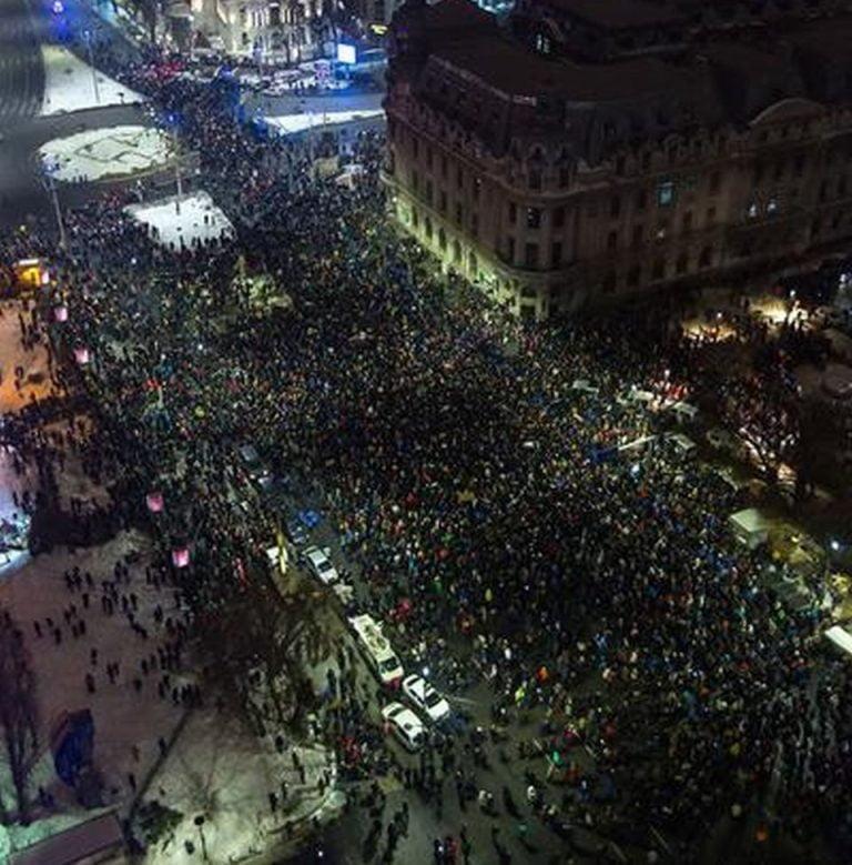 Romania sta pe un BUTOI DE PULBERE! Proteste URIASE anuntate astazi in Bucuresti!