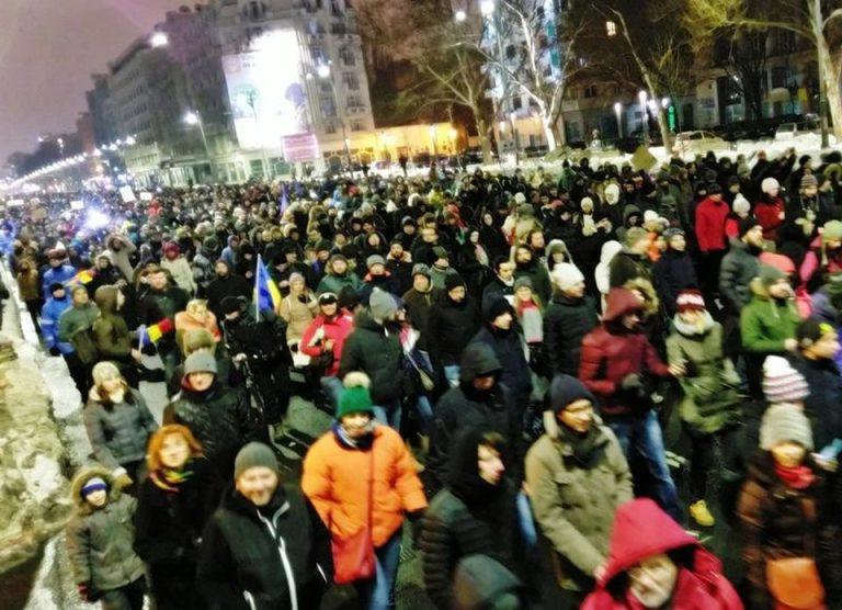 FOTO – VIDEO Performanta ISTORICA pentru Dragnea! In doar doua luni a provocat CEL MAI MARE protest de strada de la Ceausescu incoace!
