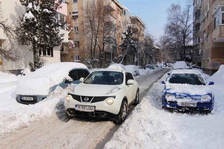 Au asteptat sa vina iarna! Primaria Capitalei vrea sa inceapa procedurile pentru a cumpara masini de topit zapada