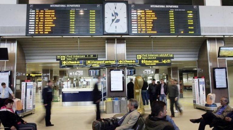 Bun venit in… lumea a treia! Apa de ploaie s-a infiltrat in terminalul Aeroportului Otopeni