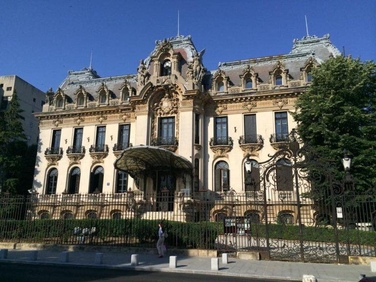 Guvernul a aprobat investitii uriase in restaurarea Palatului Cantacuzino!
