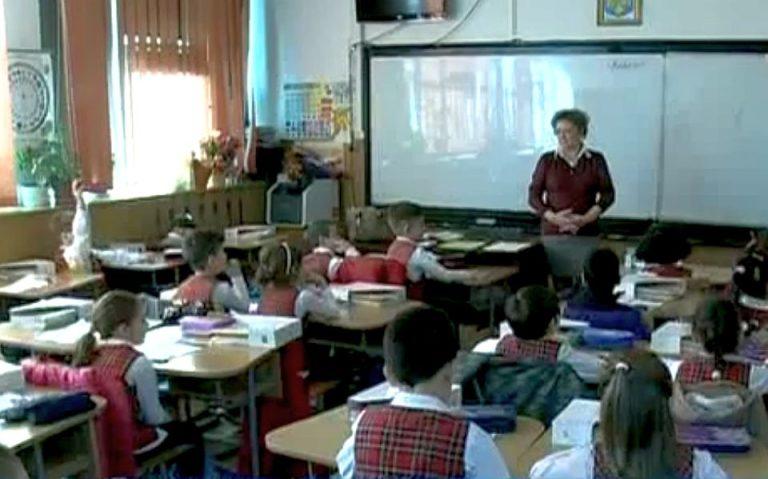 Scoala din Bucuresti data in judecata de parintii unui copil batut de colegi. Cer 15.000 de euro daune!