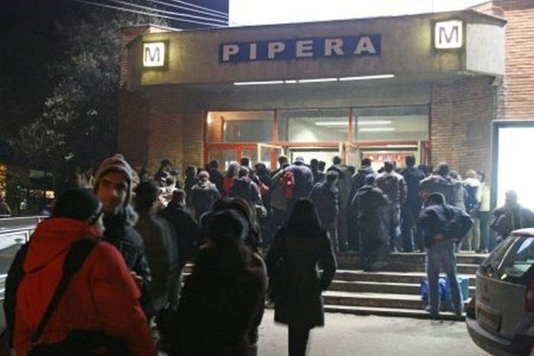 Aproape o suta de mii de bucuresteni afectati de inchiderea statiilor de metrou din Pipera si Aurel Vlaicu!