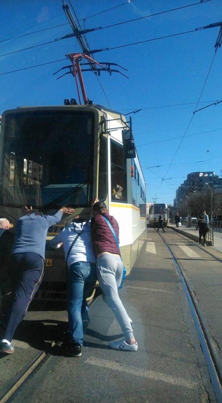 Adio tramvaie noi in Bucuresti! RATB vrea sa dea 135 de milioane pentru modernizarea tramvaielor vechi