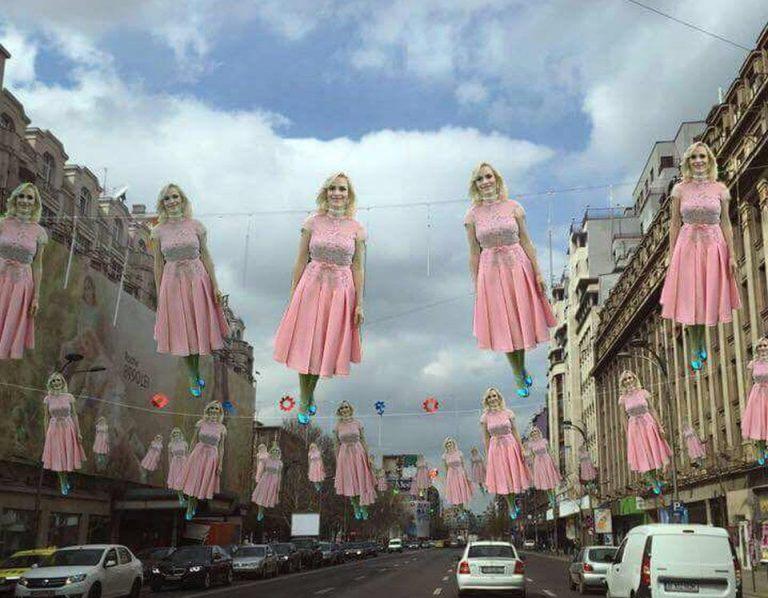 Jurnalistul Rares Bogdan, dupa ce a vazut Bucurestiul decorat de Pasti: Firea, imbracata in roz si spanzurata!