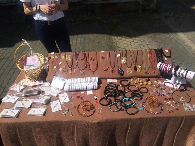 Targ de produse handmade la Casa Monteru! Preturi de la 15 lei la 170 de lei