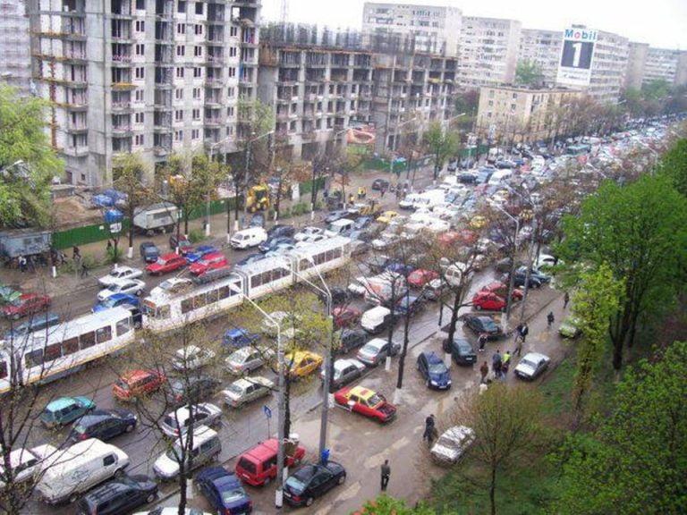 Primaria Bucurestiului organizeaza in 22 septembrie Ziua fara masini. Pe cand ziua parcarilor?