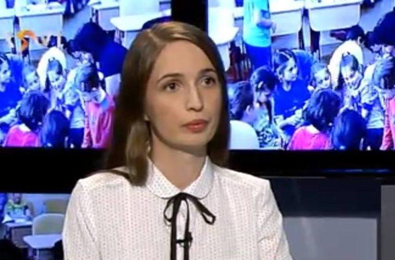 Profesoara din Bucuresti data afara dupa ce a contrazis-o pe Firea: Nu ma las cu una cu doua!
