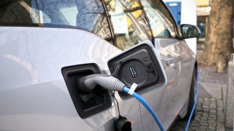 Noi promisiuni de la primarie: 40 de statii de incarcare pentru masini electrice!