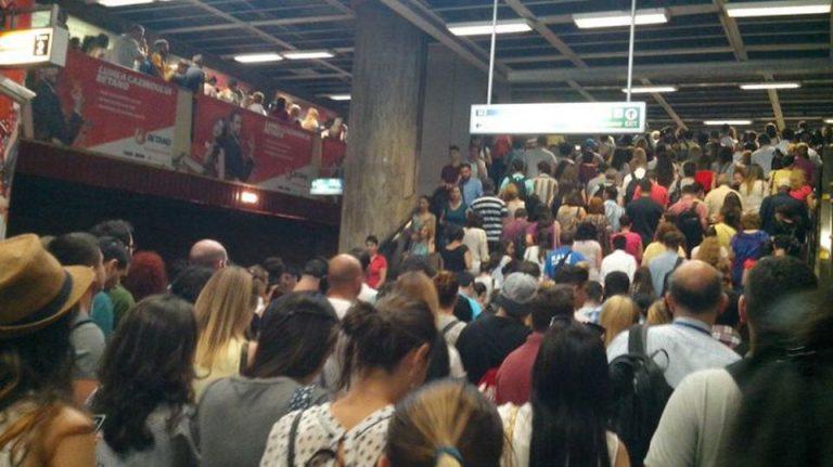 Metrorex anunta primele masuri pentru prevenirea aglomeratiei la metrou, in contextul coronavirusului