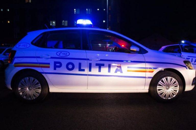 Beat, un cetatean german de 23 de ani a dansat pe masina Politiei, in Piata Revolutiei!