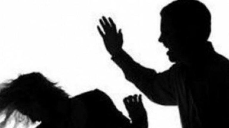 Copil din Bucuresti taiat la mana, intentionat, de concubinul mamei!