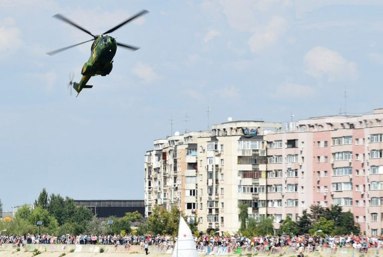 Armata participa maine la showul aeronautic din Parcul Crangasi si Lacul Morii