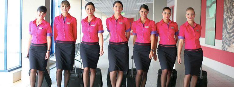 Wizz Air face angajari la Bucuresti. Vezi cat castiga o insotitoare de bord pe luna!