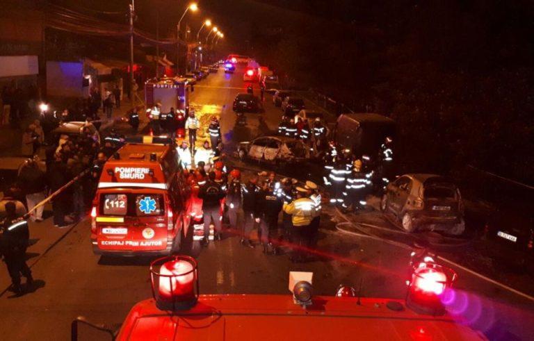 FOTO-VIDEO Carnagiu azi-noapte in Bucuresti: Accident in urma caruia patru masini au luat foc!