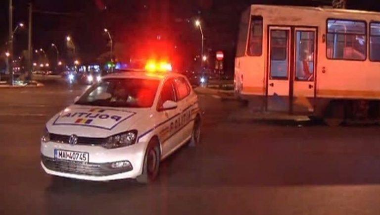 Ca-n Vestul Salbatic: Mama si fiu, loviti pe trecerea de pietoni de un sofer care fugea de Politie!