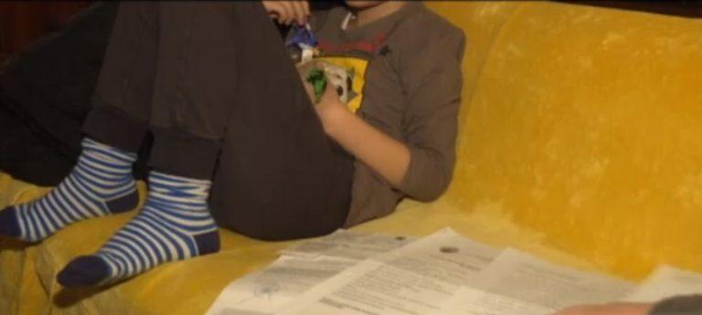 Sute de copii cu handicap din Bucuresti au fost lasati fara bani de sarbatori!