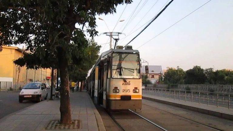 Cat de serioasa e ideea Gabrielei Firea de a permite biciclistilor sa circule pe linia de tramvai? Vezi ce spune un expert