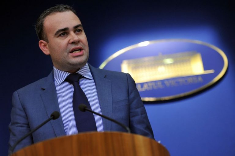 Curtea Constitutionala l-a scapat pe Darius Valcov de 8 ani de puscarie!