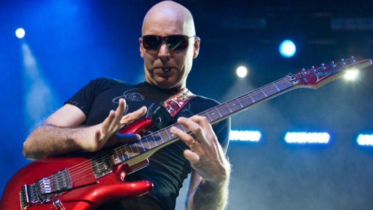 Marele chitarist Joe Satriani concerteaza la Bucuresti! Pretul unui bilet incepe de la 85 de lei
