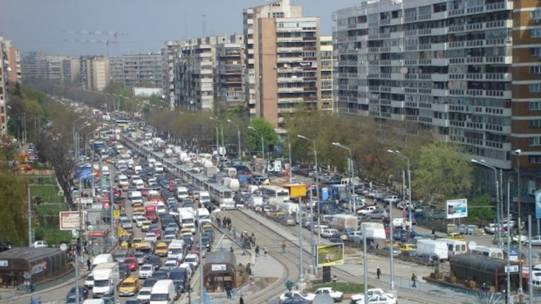 Firea iar a schimbat taxele pentru masinile care polueaza in Bucuresti