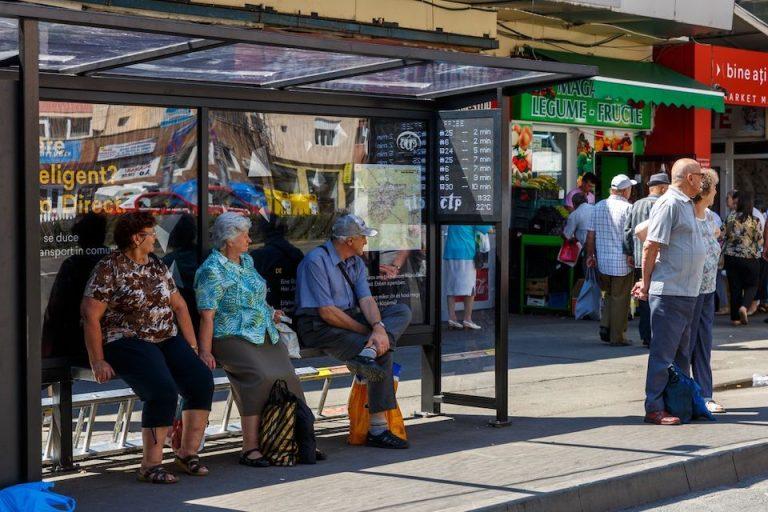 Primariile din Cluj si Oradea usureaza viata cetatenilor cu aplicatii IT utile in viata de zi cu zi. La Bucuresti primaria promite multe