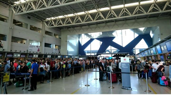 """Haos pe Aeroportul International """"Henri Coanda"""""""